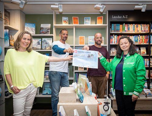 Delius Klasing unterstützt Crowdfunding-Aktion – Scheckübergabe in Hamburger Buchhandlung Heymann